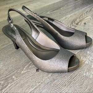 Lifestride Open Toe Sparkly Silver Heels - size 8